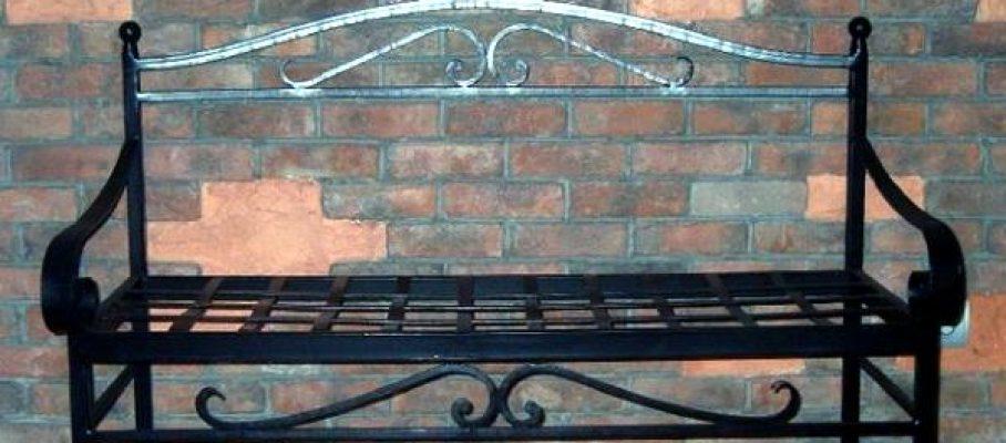 Мастер на час - сварка сломанной металлической скамейки