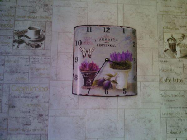 Площадь Ильича - вешаем часы на кухне